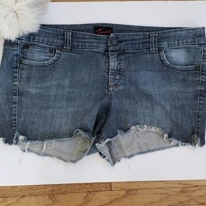 Torrid Cutoff Jeans, Plus Size 22